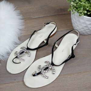 CHANEL Thong Sandals White & Black Patent Leather